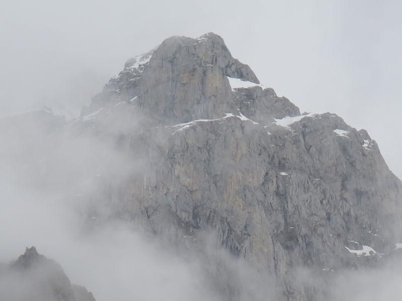 Macizo nevado en los Picos de Europa