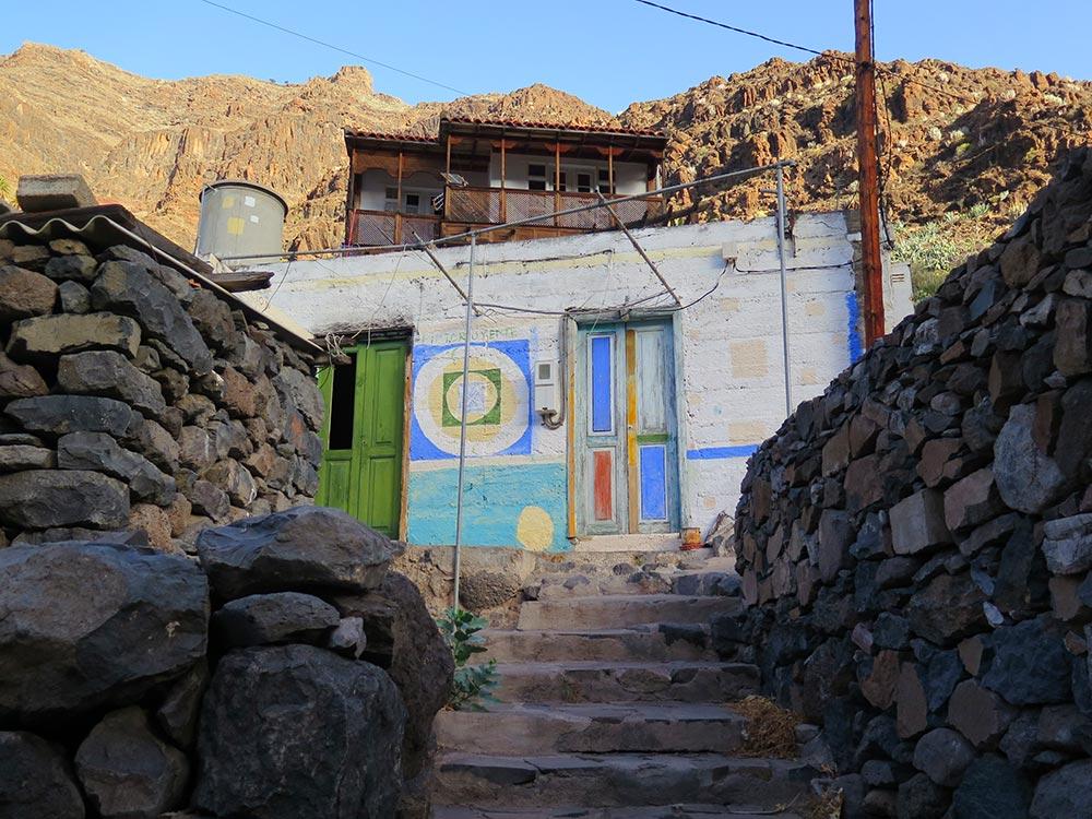 Una de las casas hippies de El Guro