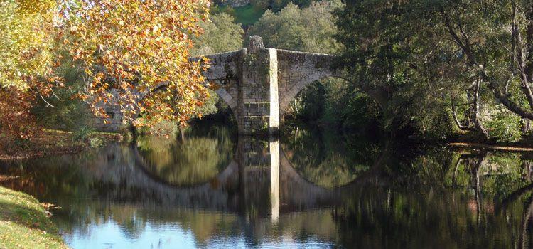 Puente de piedra románico del Siglo XII