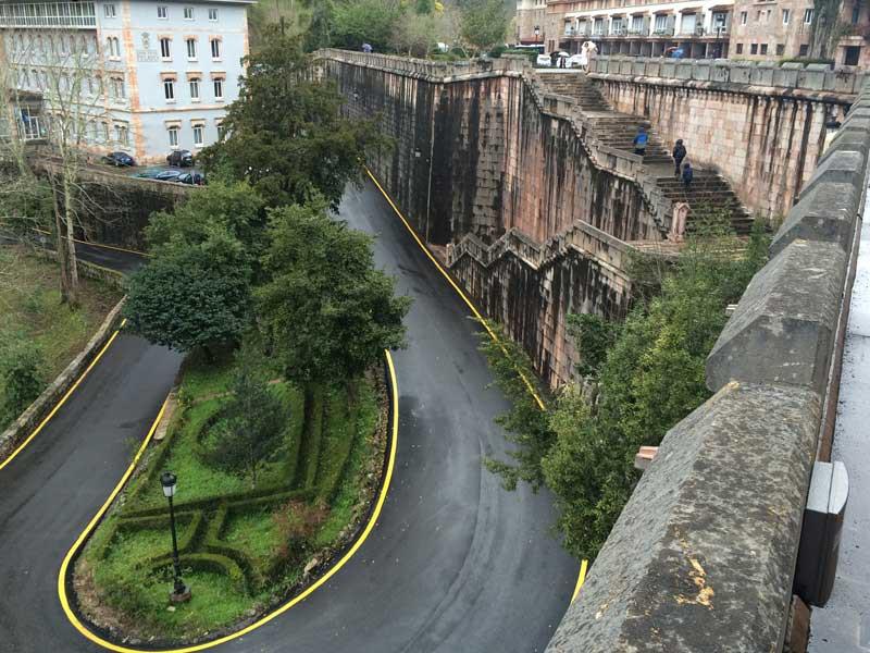 Panorámica de Covadonga desde la Basílica